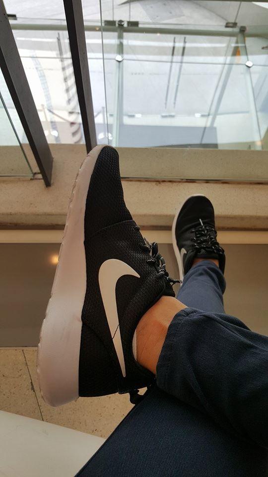 รองเท้า Nike Roshe One