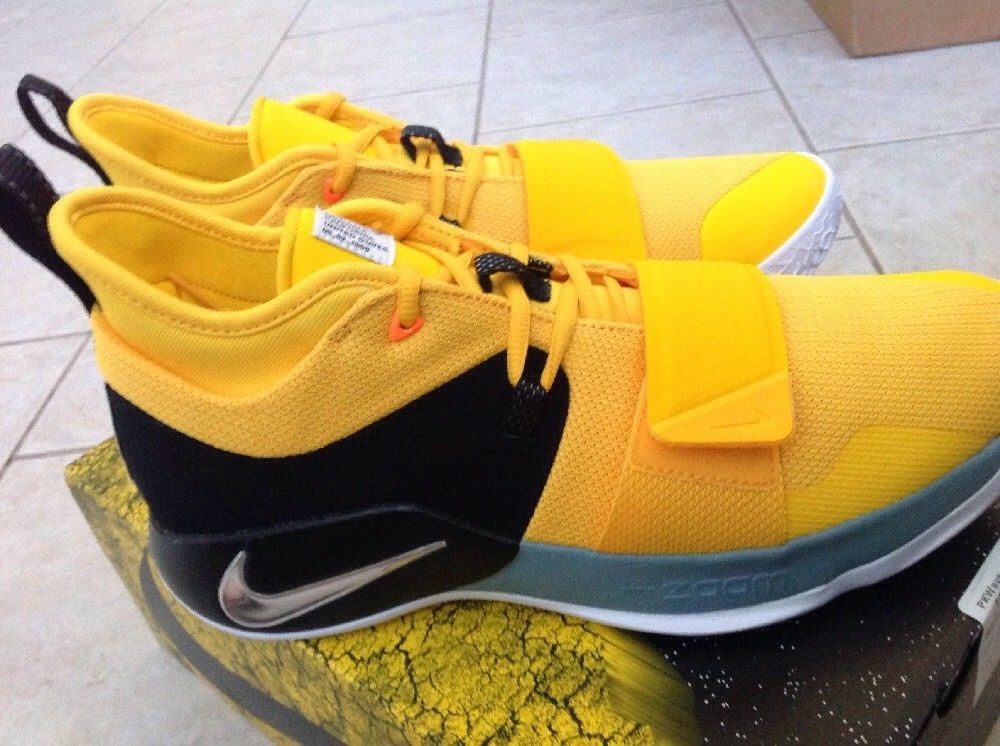 รองเท้า บาสเกตบอล adidas