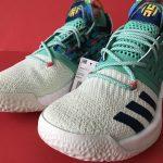 10 แบบ รองเท้า adidas รุ่น ต่างๆ ที่ คนสวมใส่กันมากที่สุด !!