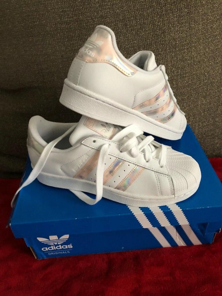 เช็ค ราคา ! Adidas Sneakers Superstar Hologram สีรุ้ง ชมพู ส้ม